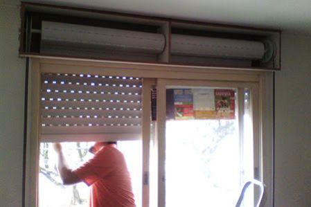 Conserto em portas e janelas de alumínio com persiana integrada