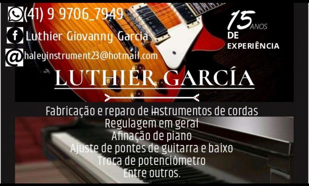 Luthier e afinador de pianos