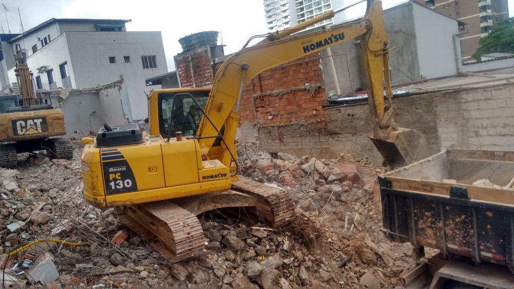 Terraplanagem  vieira demolição